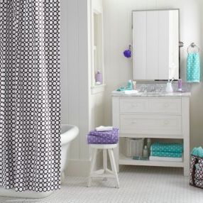 polka_dot_teen_bathroom