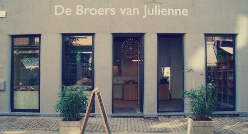 broers-van-julienne-01
