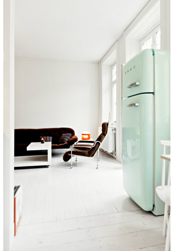nordic-bliss-scandinavian-style-apartment-white-smeg-mint